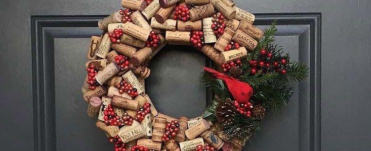 Крепление новогоднего венка на входные двери
